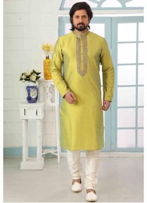 Art Banarasi Silk Green Embroidered Kurta Pyjama