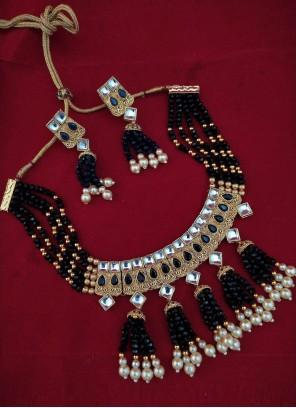 Black and Gold Moti Mehndi Necklace Set