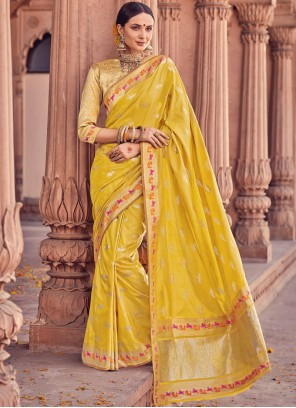 Blooming Art Silk Weaving Work Traditional  Saree