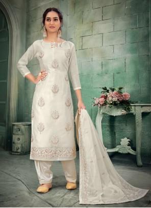 Chanderi Off White Bollywood Salwar Kameez