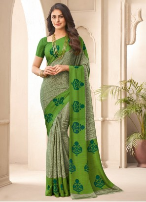 Crepe Silk Traditional Saree in Multi Colour