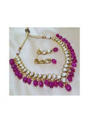 Dimond Necklace Set in Gold