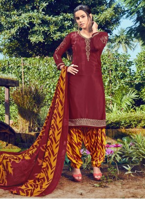 Embroidered Faux Crepe Bollywood Salwar Kameez in Maroon