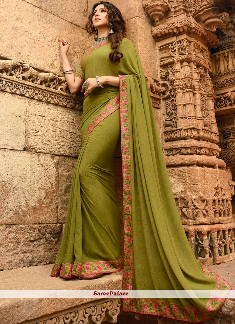 Faux Georgette Abstract Print Printed Saree in Green