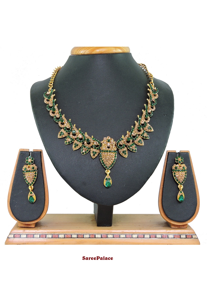Gold and Green Color Necklace Set