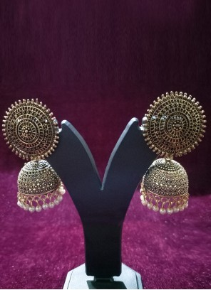 Gold and White Color Ear Rings