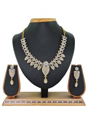 Gold and White Reception Necklace Set