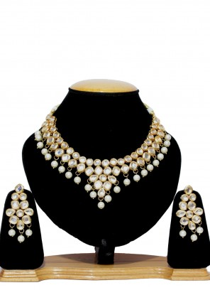 Gold Moti Engagement Necklace Set
