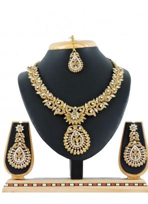 Gold Stone Work Engagement Necklace Set