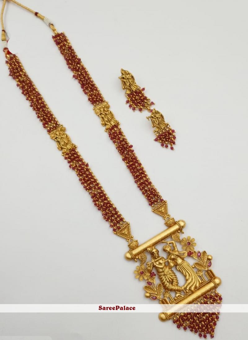 Gold Stone Work Engagement Pendant Set