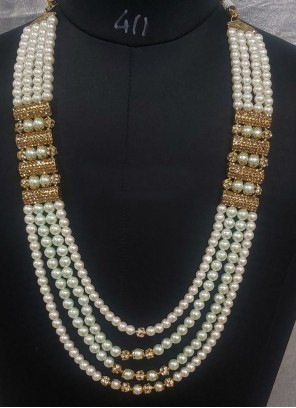 Green and Off White Moti Mehndi Necklace Set
