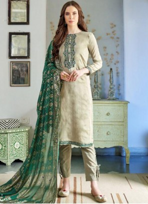Green Embroidered Ceremonial Pakistani Salwar Suit