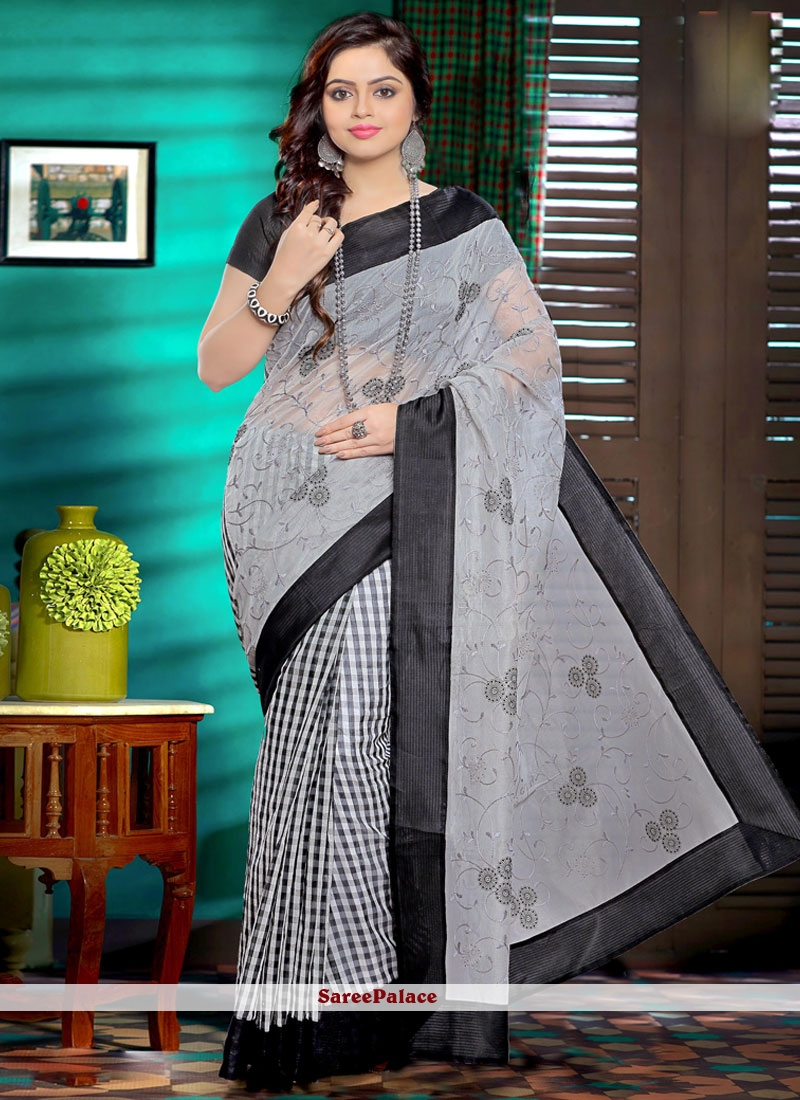 Immaculate Embroidered Work Net Saree