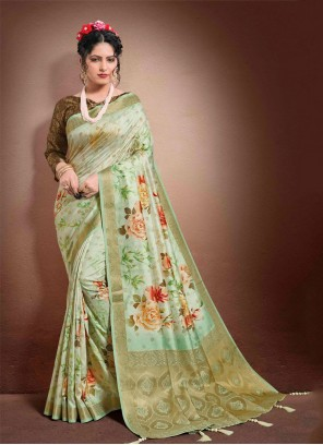 Jacquard Classic Saree in Green