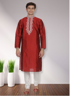 Kurta Pyjama Patchwork Art Dupion Silk in Maroon