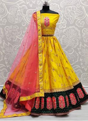 Lehenga Choli Zari Silk in Yellow