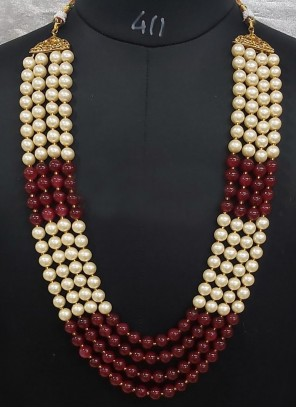 Moti Necklace Set in Beige and Maroon