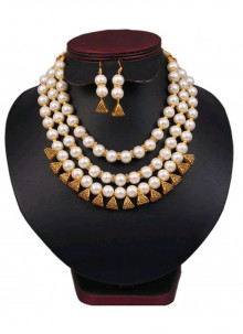 Moti Necklace Set in Gold and Off White