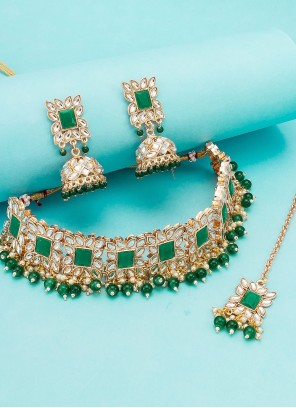 Multi Colour Kundan Necklace Set
