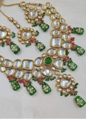 Multi Colour Stone Work Mehndi Necklace Set