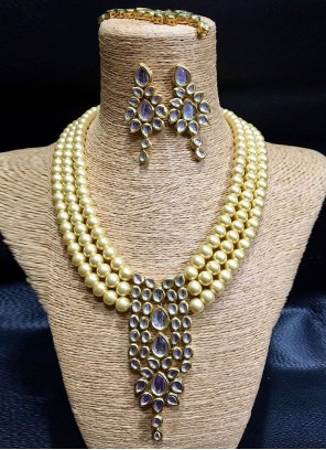 Necklace Set Diamond in Gold