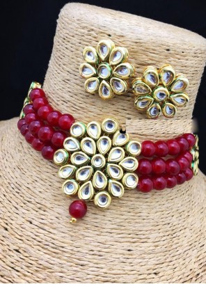 Necklace Set Stone Work in Gold and Maroon