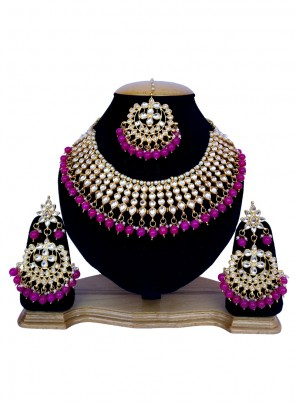 Necklace Set Stone Work in Gold and Rani
