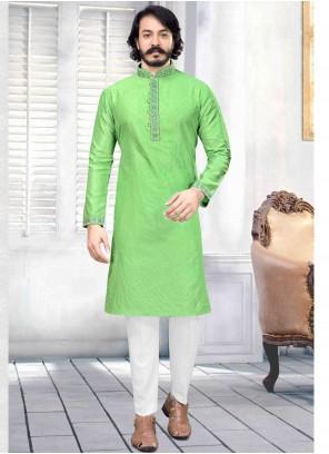 Print Jacquard Silk Kurta Pyjama in Green