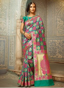 Prominent Handloom silk Weaving Work Designer Traditional Saree