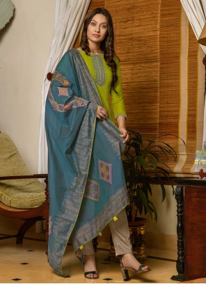 Salwar Kameez Embroidered Muslin in Green
