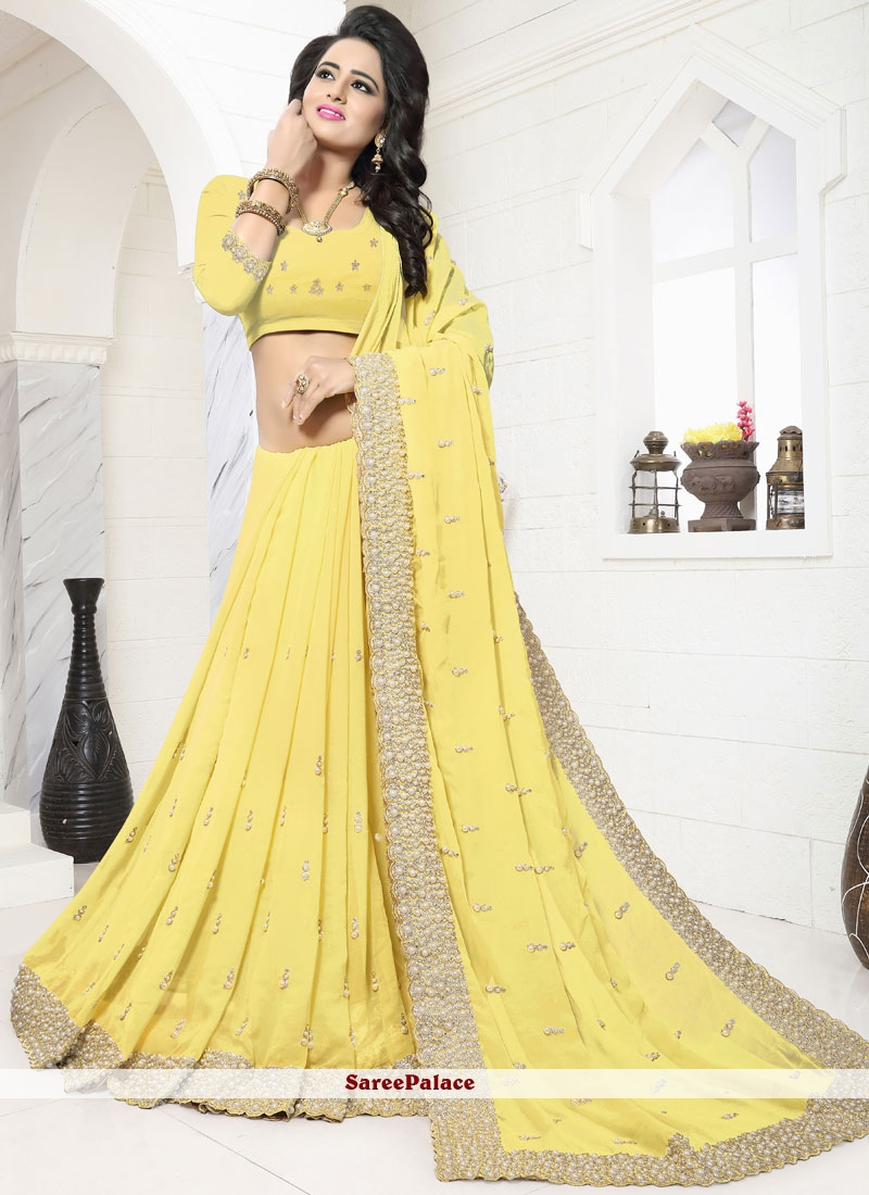 Scintillating Classic Designer Saree For Festival