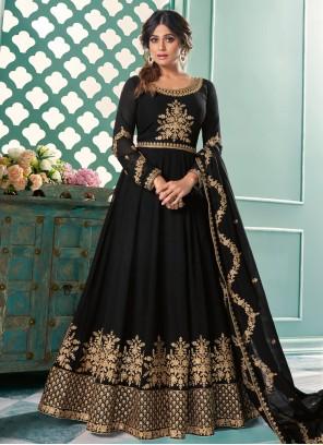 Shamita Shetty Perfect Black Floor Length Anarkali Suit