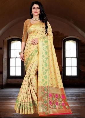 Silk Saree Weaving Banarasi Silk in Cream