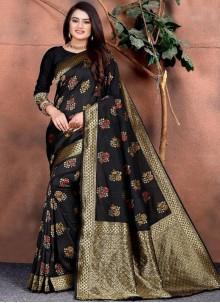 Silk Saree Weaving Silk in Black
