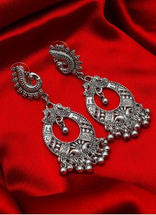 Silver Kundan Party Ear Rings