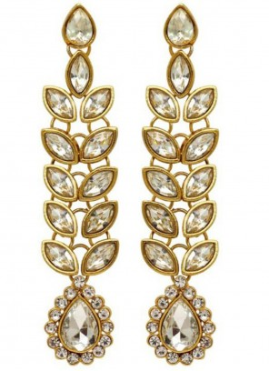 Stone Ear Rings in Gold