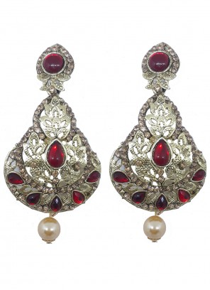 Stone Ear Rings in Gold and Red
