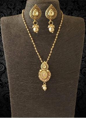Stone Work Gold Pendant Set