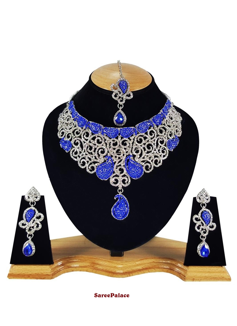 Stone Work Necklace Set in Blue and Gold