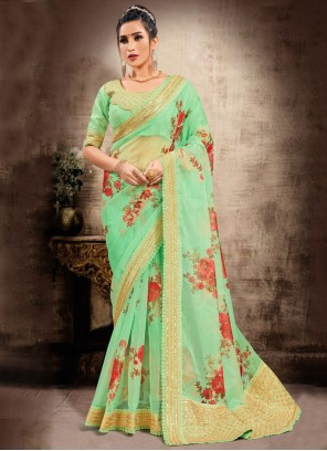 Green Patch Border Traditional Saree For Ceremonial