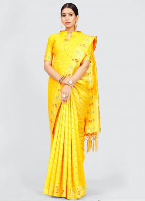 Traditional Saree Weaving Art Silk in Yellow