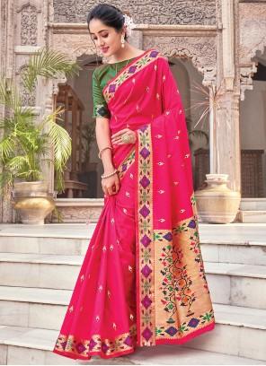 Traditional Saree Woven Silk in Magenta