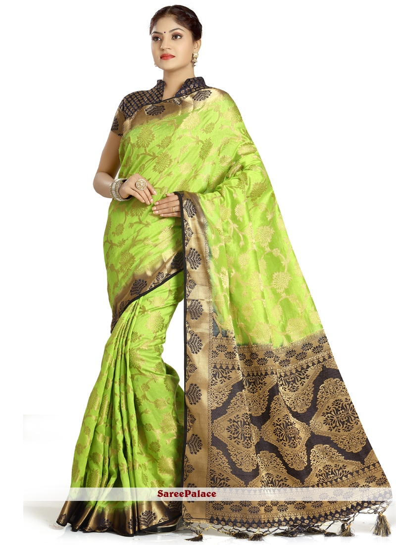 Weaving Art Silk Traditional  Saree in Green