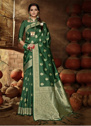 Weaving Banarasi Silk Traditional Designer Saree in Green