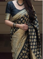 Weaving Black Traditional Saree
