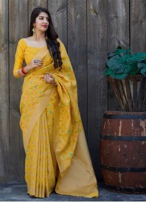 Weaving Yellow Mehndi Saree