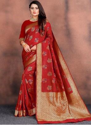 Weaving Silk Traditional Saree