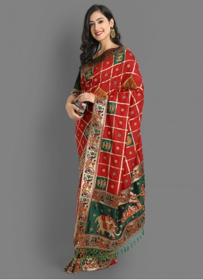 Weaving Silk Traditional Saree in Red