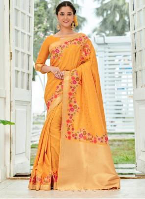 Weaving Silk Yellow Traditional Saree