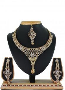 White Mehndi Necklace Set
